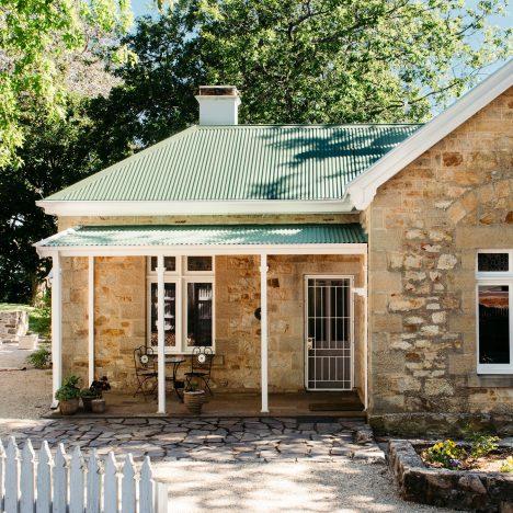 Gatekeepers-Cottage-Exterior-Narrow